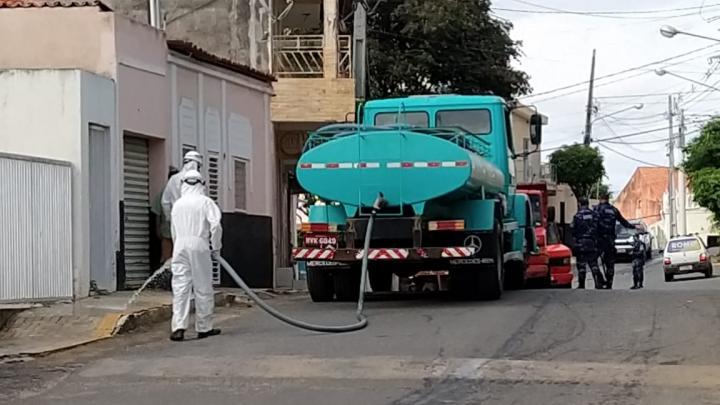 Prefeitura de São Miguel realiza desinfecção das ruas do município