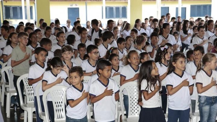"""Projeto Minha Escola em Cordel estimula talentos como """"poesia"""" e """"pintura"""""""