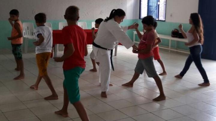 Secretaria inicia atividades de caratê, música e desenho para crianças e jovens de São Miguel