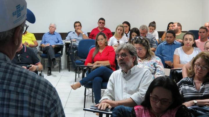 Perfeito Zé Gaudencio participa de Encontro com Prefeitos no SEBRAE