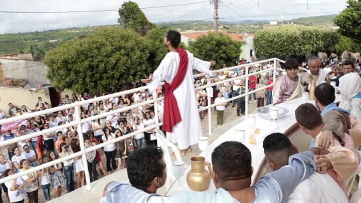 Via Sacra leva milhares de micaelenses às ruas durante feriado da Páscoa