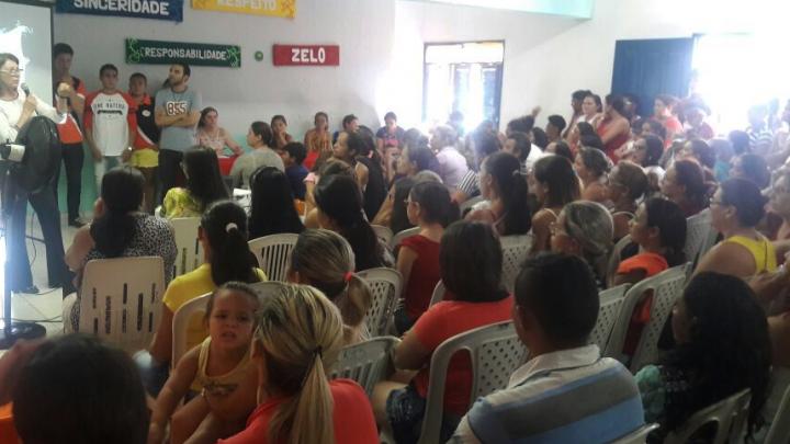 CRAS volta às atidades e reúne mães usuárias do Bolsa Família